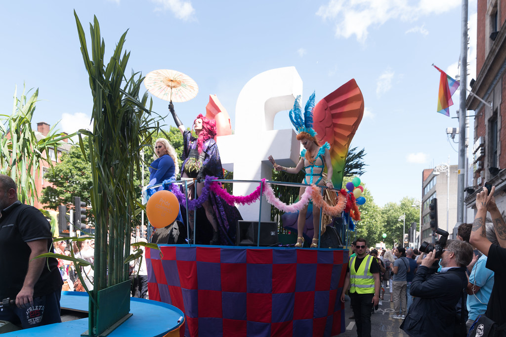 LGBTQ+ PRIDE PARADE 2017 [ON THE WAY FROM STEPHENS GREEN TO SMITHFIELD]-130018