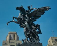 Victoria Alada (andrés villela) Tags: cdmx mexicocity andresvillela photographer bellas artes statue