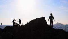 ApérON the Rock (VinZo0) Tags: people gens personne silhouette marseille massilia mer sea rock rocher ciel soleil sun sky ile position exterieur apero bouteil alcool alcohol biere