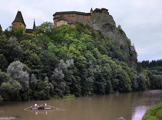 Rafting along the historical Oravský hrad Castle