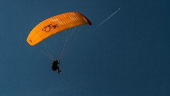 A chacun... (J&S.) Tags: france hautesavoie samoëns parapente vollibre vol liberté ciel bleu air sport