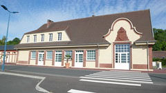 Bernay - Bénerville - Blonville-sur-Mer - Villers-sur-Mer - La gare de villers (jeanlouisallix) Tags: bénerville blonville sur mer villers normandie calvados france plage nature paysage panorama estran grève randonnée soleil