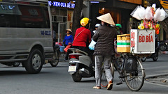 Bo Bia - Ha Noi (Vietnam) (ID Hearn Mackinnon) Tags: bo bia hanoi ha noi vietnam vietnamese viet north south east asia asian 2016 vendor street scene inner city urban seller selling cycles cyclists bicycle cyclo idhearnmackinnon australian photographer