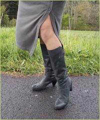2017 - 05 - Karoll  - 181 (Karoll le bihan) Tags: escarpins shoes stilettos heels chaussures pumps schuhe stöckelschuh pantyhose highheel collants bas strumpfhosen talonshauts highheels stockings tights