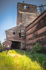 Still Standing but Shifting (@KRC) Tags: sask elevator shifting pentax k1 sumer abandoned forgotten past sunny prairie sad