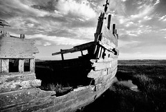boat wreck (krauss-wagner) Tags: boat wreck wood blackwhite monochrome planks rowing hull hulk norfolk
