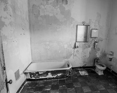 Not So Much (trainmann1) Tags: nikon d90 tokina 1116mm amateur handheld transalleghenylunaticasylum lunaticasylum weston wv westvirginia westonstatehospital statehospital hospital building inside interior summer june 2017 antique vintage abandoned neglected rusty rust crusty crust peel nasty old aged bathroom bathtub toilet tile checkered sink mirror dungy