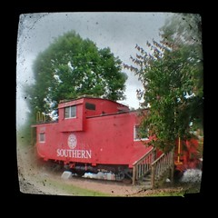 Caboose TtV (Neal3K) Tags: throughtheviewfinder throughbrowniereflexviewfinder ttv roberta georgia caboose red