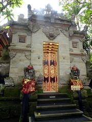 ubud_021 (OurTravelPics.com) Tags: ubud gate with closed doors puri saren agung palace