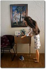 Lea and Eve (roroDolls) Tags: morning diorama barefoot nightdress preparation lea makeupchiclea