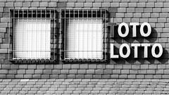 2017-05-23-001-MaMa - Augsburg - CPotC - 0022 - BW00001sr - W2880 (mair_matthias_1969) Tags: augsburg bayern deutschland de lumix panasonic dmcg7 dmcg70 mft microfourthirds g7 g70 lumixg7 lumixg70 nophotoshop keineschmutzigentricks ohneschmutzigetricks nodirtytricks gvario14140f3556 outdoor fenster windows