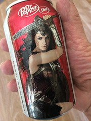 Wonder Woman's drink (Brave Heart) Tags: lookdown fingers hand handfingers can drink softdrink wonderwoman drpepper