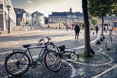 Tôt le matin... / Early morning (Gilderic Photography) Tags: liege belgium belgique belgie velo street rue morning city panasonic lx100 gilderic