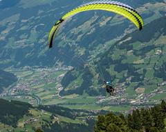 Mayrhofen im Zillertal       Paragliding (JB_1984) Tags: paragliding sport adventuresport mountain alps alpine tuxalps derpenken valley zillertal zillervalley view vista zillertalalps mayrhofenimzillertal tyrol tirol austria österreich