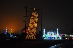 10 Leaning Tower of Pisa & Taj Mahal (megatti) Tags: buckscounty christmas christmaslights leaningtowerofpisa pa pennsylvania shadybrookfarm tajmahal yardley