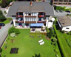 Unser Haus von oben (HausTatschl) Tags: vogelperspektive presseggersee appartementhaus ferienwohnungen apartments urlaub ferien sommer garten überblick overview