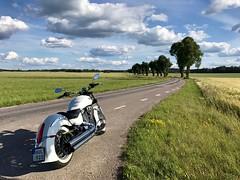 En liten tur… (Patrick Strandberg) Tags: sweden östergötland motorcycle motorcykel mc victoryboardwalk boardwalk victory iphone iphone7