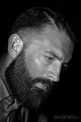 A perfect beard (JP Defay) Tags: rittratto portrait portraiture oldtimer people noir homme lowkey photos monochrome man beard barbe barbu bearded fond black white noiretblanc