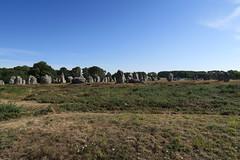 100 Carnac - Alignements de Kermario (Photos et Voyages) Tags: carnac morbihan bretagne alignements kermario menhir