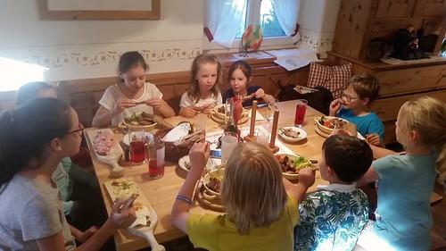 Ripperl für die Kids im Mostheurigen Gangl 🙌 lecker...