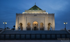 Mausoleum Mohammed V in Rabat, Morocco (AnnekathrinLingePhotography) Tags: rabat mausoleum mausolee mohammed bluehour longexposure langzeitbelichtung canon eos 5d 5dmark3 morocco maroc marokko blauestunde sight sehenswürdigkeit annekathrinlinge