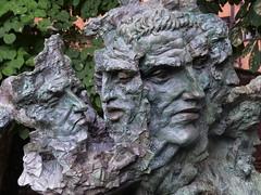 Greg Wyatt, Julius Caesar (jacquemart) Tags: shakespeare shakespearebirthplacetrust garden sculpture bronze greg wyattjulius caesar newplace
