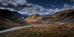 Road to Lindis Pass (Jos Buurmans) Tags: landscape lindispass mountain mountainlandscape mountains nature newzealand otago road roadtonowhere southisland mountainscape nz