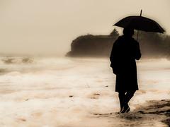 même les tempêtes... (photosgabrielle) Tags: photosgabrielle people pluie rain beach plage tempête