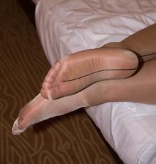 IMG_5125.jpg (pantyhosestrumpfhose) Tags: pantyhose strumpfhose strümpfe struempfe tights collant nylons shoe schuhe beine feet legs pantyhosefeet pantyhoselegs nylonlegs nylonfeet