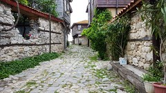 Nessebar (TheToch) Tags: nessebar nesebar несебър unesco world heritage city ruelle pavée paved street path