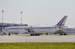 Armée de L'Air F-RAJA (V1 Aviation Photography) Tags: calgaryinternationalairport cyyc yyc airbus arméedelair frenchairforce a340212 fraja a340200 a342