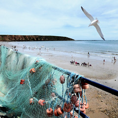 I Do Like To Be Beside The Seaside (Jean Turner Cain) Tags: sea beach seascape seashore seaside sky northyorkshire filey