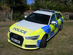 5591 - Sussex Police - OW15 JHV - 317 (Call the Cops 999) Tags: uk gb united kingdom great britain england south east coast eastbourne 999 112 emergency service services vehicle vehicles open day july 2017