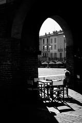 _DSC0470 (m.krema) Tags: lodi lombardia italia it bw bn nikon d750 colazione portico architettura piazza tavolino bar sedie allaperto