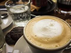 Elixir (Matt Aresti) Tags: buenosaires argentina ar cafe havanna coffee alfajor chocolate galletita cookie rest descanso elixir