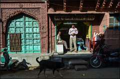 Door.   Jodhpur (Claire Pismont) Tags: asia asie inde india rajasthan pismont clairepismont colorful couleur color colour blue jodhpur travel travelphotography colors streetshot street streetphotography