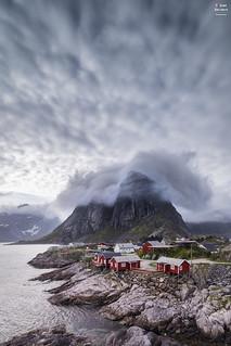 Hamnøy Huts