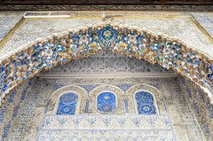 Colorful Mocárabe (ep_jhu) Tags: sevilla x100f arch mocárabe seville repetition gold intricate calligraphy fujifilm islamic blue colorful spain fuji alcazar pattern lookingup arabesque españa wall andalucía es