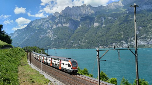 RABe 511 016 bei Mols am Walensee