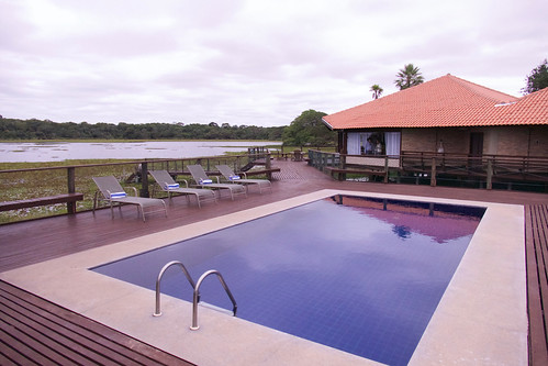 brazil-pantanal-caiman-lodge-baizinhas-lodge-and-pool-copyright-thomas-power-pura-aventura