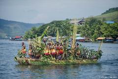 FDS 2017 (ithos iba) Tags: fds2017 khalkote danausentani lake jayapura papua culture traditional boat canos dancing