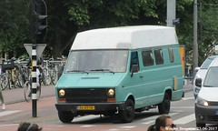 Iveco-Fiat Daily 30.8 1986 (XBXG) Tags: ffxt18 ivecofiat 308 1986 iveco fiat weteringschans weteringlaan amsterdam nederland netherlands holland paysbas old classic italian camper campingcar motorhome rv kampeerwagen automobile voiture ancienne italienne italie italia italy vehicle outdoor van utilitaire bestel wagen bestelwagen bestelbus fourgonnette camionnette daily ivecodaily