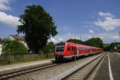 DB REGIO 612 581 + 612 xxx in station van Gúnzach richting Kempten 27-06-2017 (marcelwijers) Tags: db regio 612 581 xxx station van gúnzach richting kempten 27062017 br serie baureihe pendelino bahnhof railway eisenbahn trein train diesel treinstel triebzuge triebzug vt bayern deutschland bavaria germany beieren duitsland günzach is het hoogste tweesporige 801 meter hoogte höchster zweigleisiger deutschlands deutsche bahn öpnv