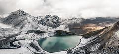 Tongariro Emerald Lakes - New Zealand (Max Pa.) Tags: tongariro crossing alpine nationalpark new zealand newzealand neuseeland landscape landschaft natur nature snow winter hike north island canon 5d 2470mm emerald lakes green clouds wolken