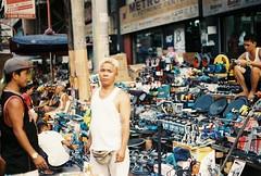(Jose Mari Manio) Tags: phillipines quiapo manila minolta srt film fujicolor superia street filipino rokkor analog