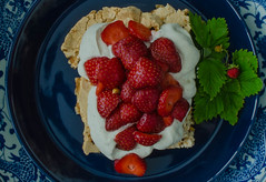 To mark the start of the Wimbledon tournament today (frankmh) Tags: wimbledon tennis strawberry cream hittarp skåne sweden indoor dessert food berry