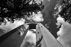 08.07.17 (Simon Reibenspies) Tags: turm zwillingsturm pfullingen unterhose schwäbische alb wolken simon reibenspies