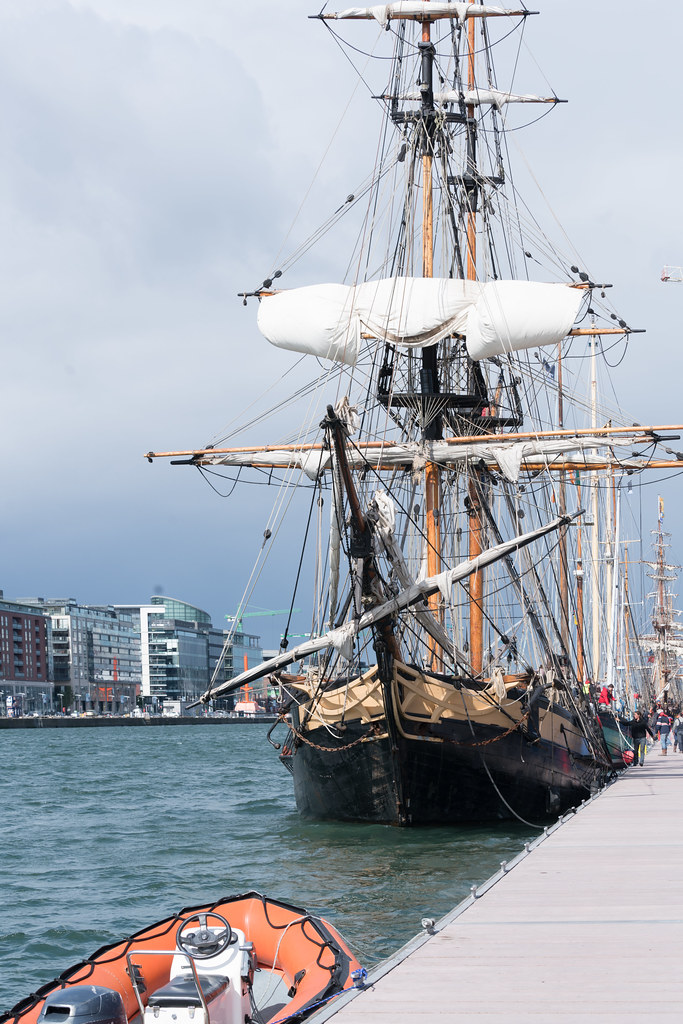THE PHOENIX LEAVES DUBLIN PORT [DUE TO VISIT DROGHEDA LATER IN THE WEEK]-129423