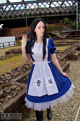 IMG_2416.jpg (Neil Keogh Photography) Tags: fantasy books aliceinotherlands alicemadnessreturns films disney boots lace fiction blue gardens necklace alice nwcosplayjunemeet2016 skirt arch bridge dress tights lewiscarroll tv stones red female green girl americanmcgeesalice aliceinwonderland cosplay alicethroughthelookingglass apron waltdisney black animation cosplayer colourgels cartoon white