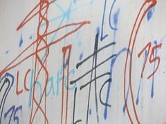 Andere Masten (gittermasttyp2008) Tags: strommast strommasten strom stahlgittermast powertower powerpole power pylon powerpylon powerline pole energie electricitytower energy farbe collor graffiti graffitistrommast wandern coll germany entdeckt